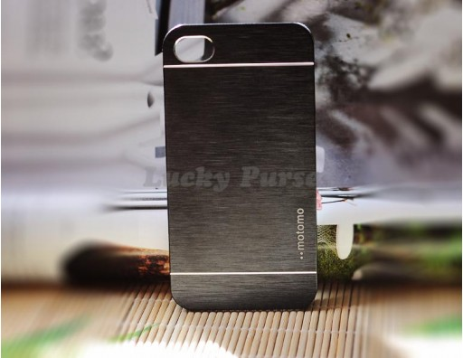 Алюминиевый бампер для iPhone 4S/4 motomo