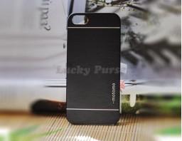 Чехол-бампер для iPhone 5S/5 motomo (черный)