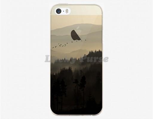 Тонкий чехол из гибкого пластика для iPhone 5S/5 с красивым пейзажем горы в тумане