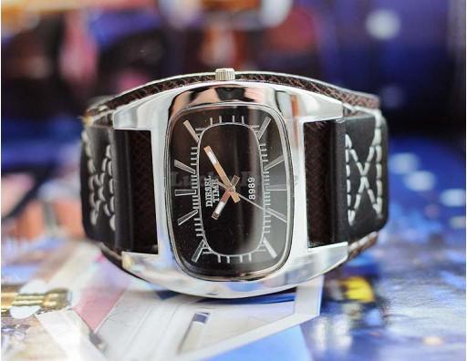 Кварцевые наручные часы Womage 8989 на кожаном ремешке