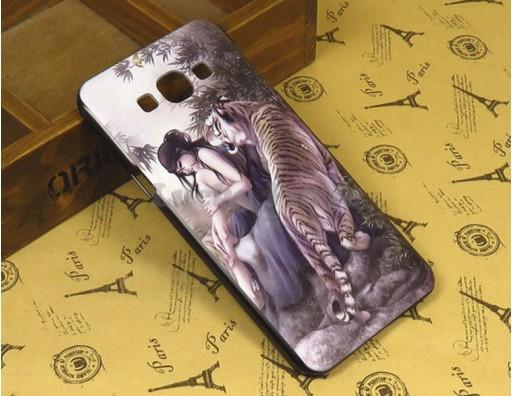 """Бампер для Samsung Galaxy A8 c принтом """"Тигр и девушка"""""""