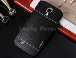 Бампер для Samsung Galaxy S4 motomo. Цвет черный.
